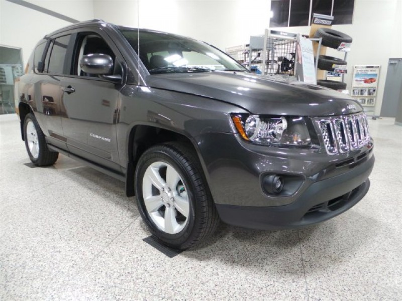new 2015 jeep compass sport suv near moose jaw 15c09. Black Bedroom Furniture Sets. Home Design Ideas